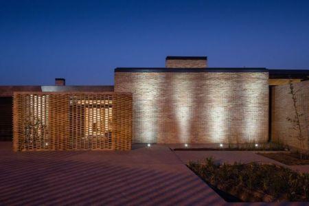 façade en briques - House-Molino par Mariano Molina Iniesta, Espagne
