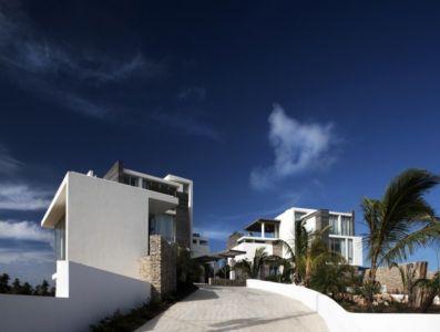 façade entrée - Ani Villas par Lee H. Skolnick Architecture - Anguilla