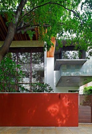 façade entrée - Bhuwalka House par Khosla Associates - Bangalore, Inde
