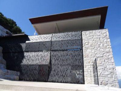 façade entrée - Casa Farfalla par Michel Boucquillon - Toscane, Italie