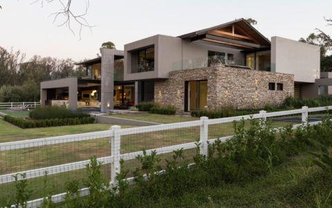 façade entrée - House Blair Atholl par Nico van der Meulen Architects - Blair Atholl, Afrique du Sud