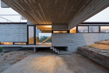 entrée - House-three-forms par Luciano Kruk - Buenos Aires, Argentine