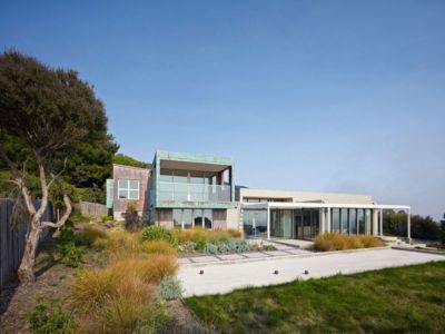 façade entrée - In-Out par Wnuk Spurlock Architecture - Stinson Beach, Californie, USA