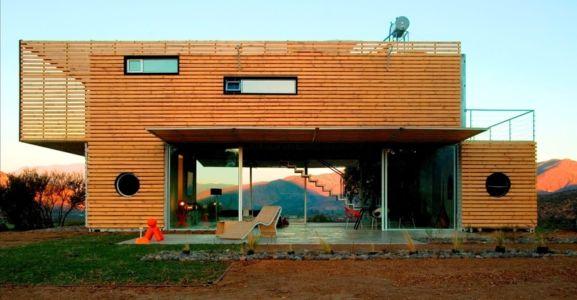 façade entrée - Infiniski Manifesto House par james&mau arquitectura - Curacaví, Chili - photo Antonio Corcuera