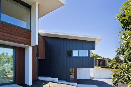 façade entrée - Korokoro House par Parsonson Architects - Korokoro, Nouvelle Zélande