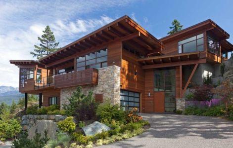 façade entrée - Lakecrest Residence by aka Architecture + Design - Whistler, Canada