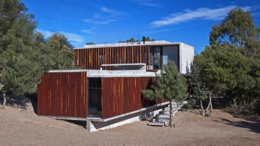 façade entrée - MR House par Luciano Kruk Arquitectos - La Esmeralda, Argentine
