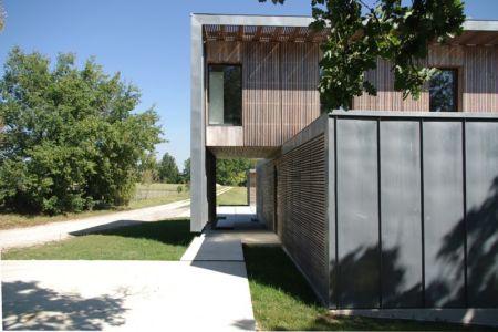 façade entrée - Maison l'Estelle par François Primault architecte - Moirax, France