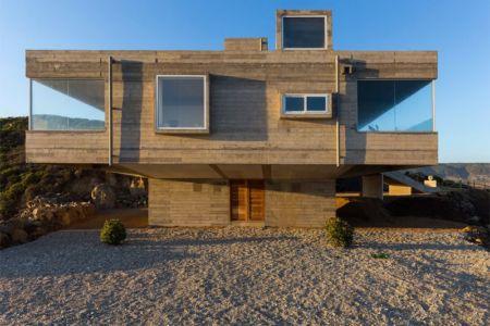 façade entrée - Mirador House par Gubbins Arquitectos - Tunquen, Chili