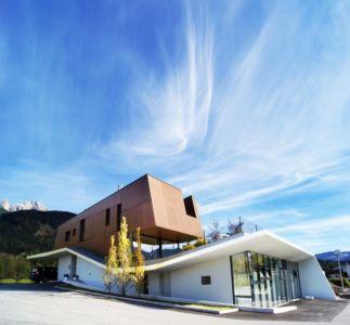 façade entrée - Muk par mahore architects - Saalfelden, Autriche