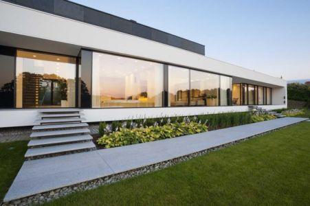 façade entrée - Nemo-house par Mobius Architects - lac Mazurie, Pologne