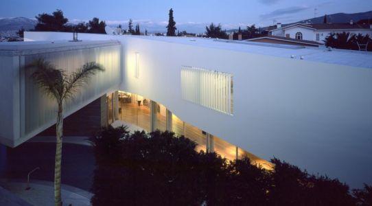 façade entrée - Psychiko House par Divercity Architects - Athènes, Grèce