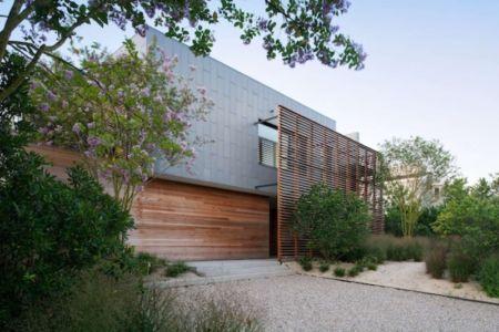 façade entrée - Shore House par Stelle Lomont Rouhani Architects -  Amagansett, Usa