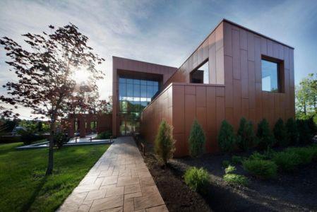 façade entrée - Terre et Eau par Blouin Tardif Architecture - Rigaud, Canada
