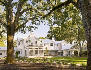 façade entrée - Transitional Farmhouse Design par Total Design - Calistoga, Californie, Usa