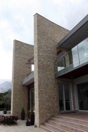 façade entrée - Vila-Stoliv par Enforma Architectural Studio - Montenegro
