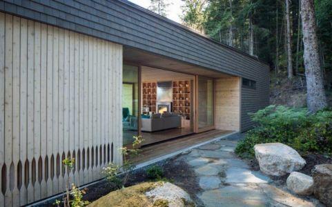 façade entrée - Woodsy-Retreat par Heliotrope Architects - Washington, USA