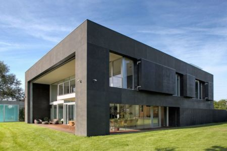 façade entrée baie vitrée - safe-house par Robert Konieczny – KWK Promes - Varsovie, Pologne