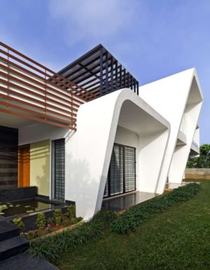 façade entrée - courtyard-house par The Purple Ink Studio - Bengaluru, Inde