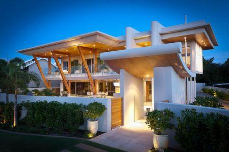 façade entrée de nuit - Applecross House par Brian Burke Homes - Perth, Australie