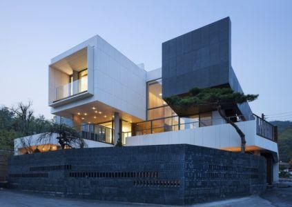 façade entrée de nuit - Customi-Zip par L'EAU design - Gwacheon-si, Corée du Sud