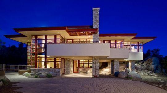 façade entrée de nuit - Hinshaw par Michael Rust – Architect LLC - Prescott, Usa