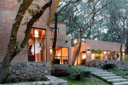 façade entrée et escalier - Pinar house par MO+G Taller de arquitectura - Zapopan, Mexique