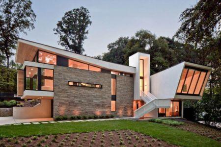 façade entrée et jardin - wing-roofed home par Staffan Svenson architect - Atlanta, Usa