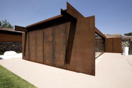façade entrée extension - Sicillian-Farm-Renovation par ACA Amore Campione Architettura - Sicile, Italie