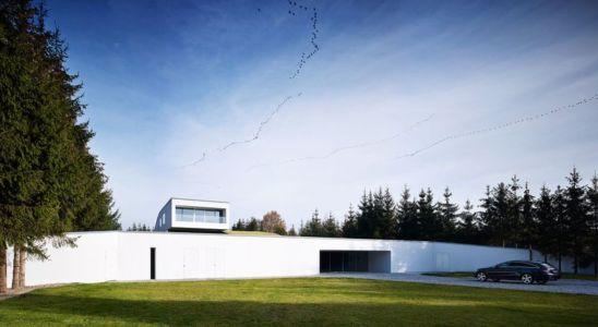 façade entrée garage - Autofamily House - Robert Konieczny-KWK Promes - Pologne