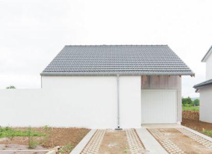 façade entrée garage - Individual-Hangar par Gens Association Libérale Architecture, France