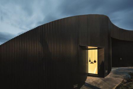 façade entrée - maison exclusive par Mirag Arquitectura i GestiO - Ametlla, Espagne