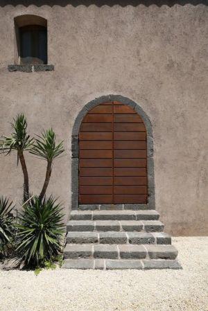 façade entrée maison secondaire - Sicillian-Farm-Renovation par ACA Amore Campione Architettura - Sicile, Italie