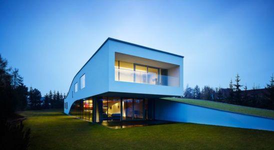 façade entrée & porte à faux - Autofamily House - Robert Konieczny-KWK Promes - Pologne