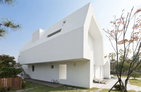 façade escalier - E-Green Home par Unsangdong - Jeondae-ri, Corée du Sud