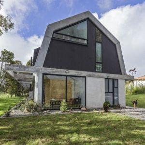 façade est - BO House par Plan B Arquitectos - Colombie