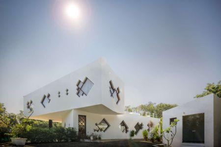 façade extérieure - Tomoe Villas par Note Design - ALibag, Inde