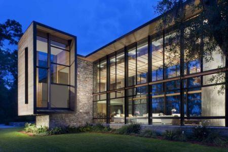 façade extérieure de nuit - SC Modern I par SBCH Architects - Bray's Island, Sheldon, Usa