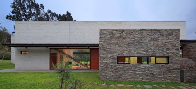façade extérieure entrée - House b2 par Jaime Ortiz de Zevallos - Pachacamac District, Pérou