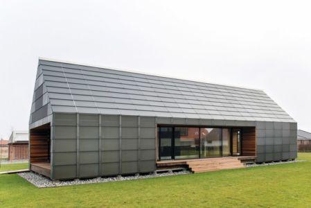 façade extérieure terrasse - La Casa de Libre Mantenimiento par Arkitema Architects  - Danemark