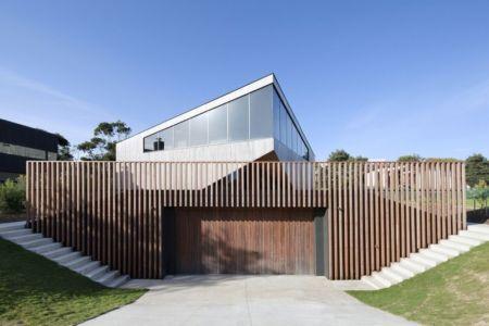 façade garage - Aireys House par Byrne Architects - Aireys Inlet, Australie