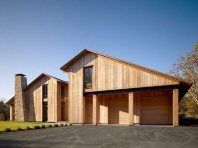 façade garage - Mountain Wood Residence par Walker Warner Architects -Woodside, Usa