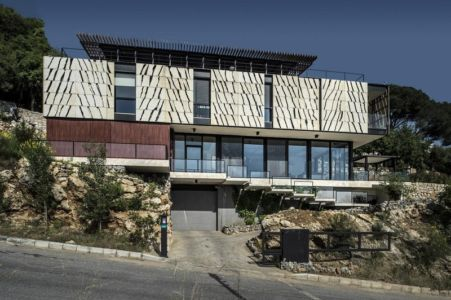 façade garage - Tahan Villa par BLANKPAGE Architects - Kfour, Liban