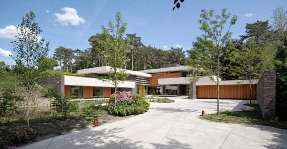 façade garage - The Dune Villa par HILBERINKBOSCH Architects - Utrecht, Pays-Bas
