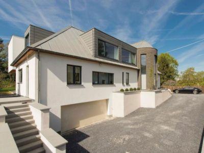 façade garage - magnifique propriété à vendre à Uccle en Belgique