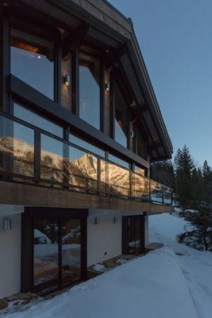 façade grande baie vitrée - Chalet-Dag par Chevalier Architectes - France