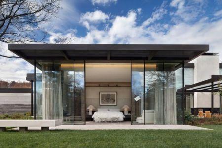 façade grande baie vitrée chambre - modern farmhouse par Meyer Davis studio - Nashville, USA
