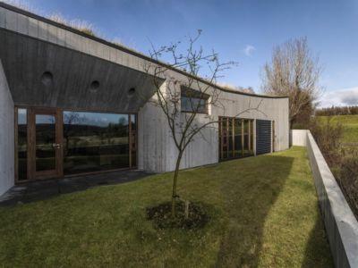 façade jardin - Bakkaflöt 14 par Studio Granda - Islande