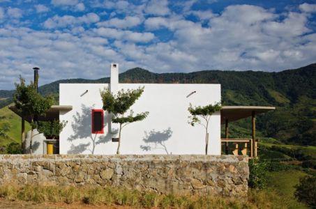 façade jardin - Dom-Vicoso-House par Brasil Arquitetura - Dom Viçoso, Bresil