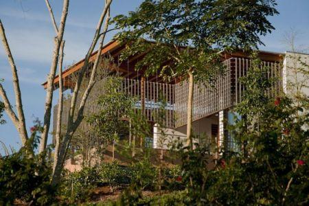 façade jardin - Quinta-House par CANDIDA TABET ARQUITETURA - São Paulo, Brésil